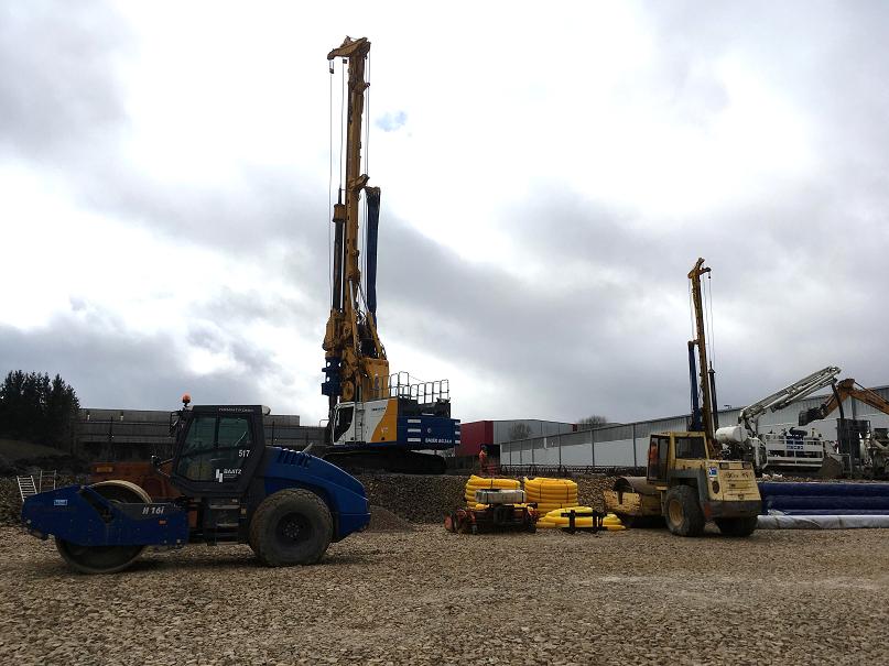 Photo du chantier Airtech à Niederkorn. Travaux de terrassement et mise en œuvre de pieux.